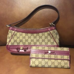 Gucci purse with matching wallet